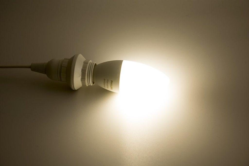 Hue Lampen E14 : Vergleich der philips hue e white ambiance white and color lampen