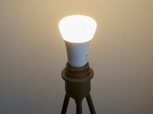 Philips Hue einrichten Leuchtmittel einsetzen und anschalten